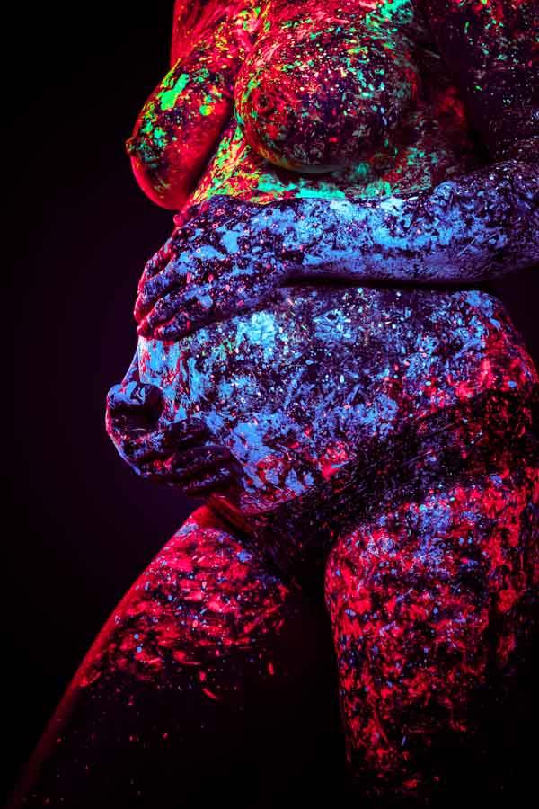 abstrakte babybauch kunst bodypainting